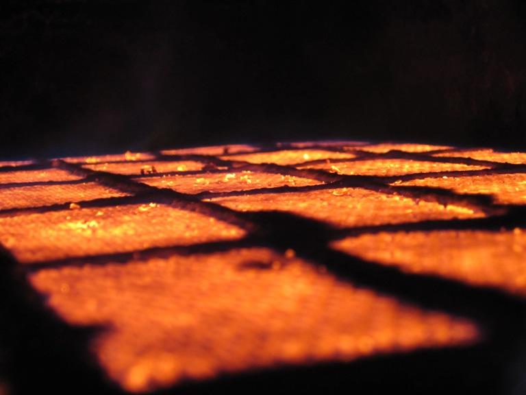 Твердотопливные котлы Универсальный Малой мощности Средней мощности Длительного горения Газовые котлы Керамическая горелка Котлы с керамической горелкой Бани Котел для парной до 80С Сауна до 120С Общественные Печное отопление в новом свете Парилка с электрокаменкой 7,5 и выше Рекомендации Зачем нужно утеплять дом? Как правильно установить дымоход Что необходимо знать Керамическая инфракрасная горелка
